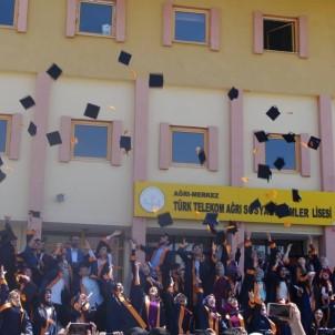 Ağrı'daki Başarılı Lisede 21 Öğrenci Hukuk Fakültesini Kazandı