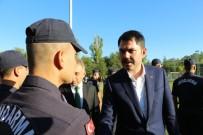 Bakan Kurum, Bayram Namazını Kıldı, Jandarma Personeli İle Bayramlaştı