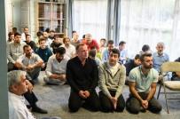 LOS ANGELES - Güney California'da Yaşayan Türkler, Bayram Namazında Bir Araya Geldi