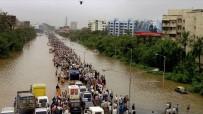 HAVA TRAFİĞİ - Hindistan'daki Sel Ve Toprak Kaymalarında Ölü Sayısı 132'Ye Yükseldi