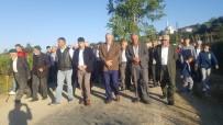 BAYRAM NAMAZI - Pazaryeri'nde Eski Bayramlaşma Gelenekleri Sürüyor