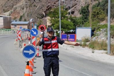 Jandarma Ekiplerinden Bayram Trafik Denetimi