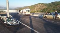 Otomobil Bariyerlere Çarptı Açıklaması 6 Yaralı