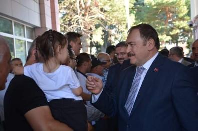 AK Parti'li Eroğlu, Şuhut'ta Vatandaşlarla Bayramlaştı