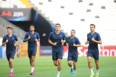 Chelsea Son Antrenmanını Beşiktaş Park'ta Yaptı