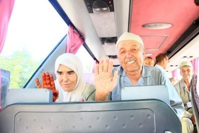 Hayat Arkadaşı İle Gittiği Mekke'den Yalnız Dönüyor