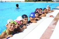 Yenipazarlı Minikler Yüzmeyi Eğlenerek Öğreniyor