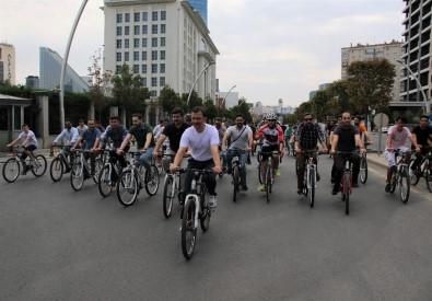 AK Parti Gençlik Kolları'ndan Bisikletli Kutlama