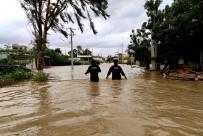 SEL FELAKETİ - Hindistan'daki Sel Felaketinde 1 Ayda 270 Kişi Öldü