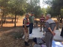 Jandarma Mesire Alanındaki Vatandaşları Uyardı