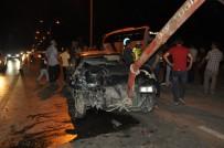 Kamyonetle Otomobil Çarpıştı Açıklaması 5'İ Çocuk 12 Yaralı