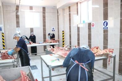 Mahkumlar Meslek Öğrenerek Cezalarını Çekiyor