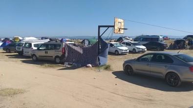 Saros Sahilleri Tatilci Akınına Uğradı