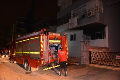 Adana'da Apartman Dairesinde Yangın