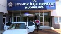 Beykoz'da Sinyal Kesici Kullanarak Otomobilden Hırsızlık Yapan Şahıslar Yakalandı