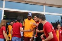 Galatasaray Sezonun İlk Maçı İçin Denizli'ye Geldi