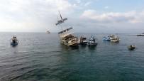 GEZİ TEKNESİ - Sinop'ta Karaya Oturan Gezi Teknesini Kurtarma Çalışmaları