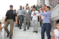 HICRET - Binali Yıldırım, Cuma Namazını Kartal'da Kıldı