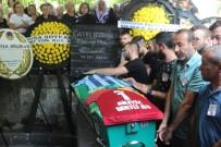DOKU KANSERİ - Genç Futbolcu Kansere Yenik Düştü