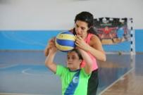 Voleybol Yaz Okulu'na Çocuklardan Yoğun İlgi
