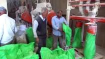 Çiftçiler Ekmek İçin Buğdaylarını Öğütmeye Başladı