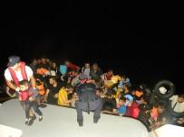 KAÇAK GEÇİŞ - İzmir'de 202 Kaçak Göçmen Yakalandı