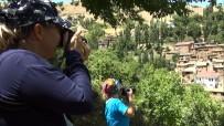 (Özel) Hizan, Fotoğraf Turizmiyle De Ziyaretçilerini Ağırlıyor