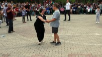 CANER EKİN - Yozgatlı Down Sendromlu Kuzenlerin Tango Gösterisi Beğeni Topladı