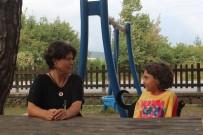 Kızına Tümör Teşhisi Konulunca Klip Çekerek Gelirini Lösemili Çocuklara Bağışlama Kararı Aldı