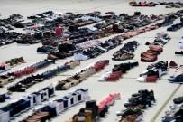 Sular Altında Kalan Ayakkabılar Yenikapı'da Kurutmaya Bırakıldı