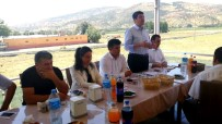 HARMANLı - Milletvekili Tutdere Muhtarlara 'Ortak  Akıl' Çağrısında Bulundu