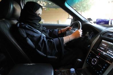 Suudi kadınlara yurt dışına seyahat özgürlüğü