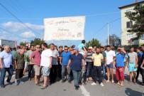 Kızgın Vatandaşlar Yolu Trafiğe Kapadı