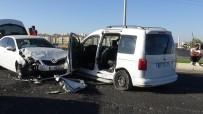 MEZOPOTAMYA - Diyarbakır'da Zincirleme Trafik Kazası Açıklaması 3 Yaralı