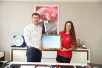 ŞAHİKA ERCÜMEN - Derya Can Başkan Ercengiz'i Ziyaret Etti.