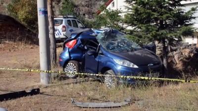 Gümüşhane'de Otomobil Elektrik Direğine Çarptı Açıklaması 1 Ölü