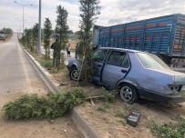 Karaman'da Tıra Çarpan Otomobil Refüje Çıktı Açıklaması 1 Yaralı