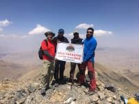 Mor Dağı'na Tırmanış
