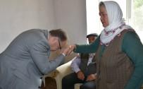 Şehit Ailesine Oğullarının Şahadet Belgesi Verildi