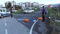 Sultanbeyli'de İki Kişinin Öldüğü Kaza Güvenlik Kameralarına Böyle Yansıdı