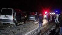 Bartın'da 3 Otomobil Birbirine Girdi Açıklaması 1'İ Ağır 4 Yaralı