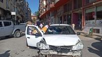 İslahiye'de İki Otomobil Çarpıştı Açıklaması 1 Yaralı