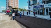 Mustafa Parmaksız Caddesinde Sıcak Asfalt Serimi Öncesi Hazırlıklar Yapılıyor