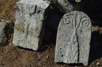 Bursa'da Yüzlerce Yıllık Koç Başlı Mezar Taşı Bulundu