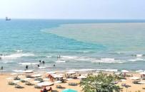 Denize Ulaşan Çamurlu Su Limanı Ve Sahili Sarıya Boyadı
