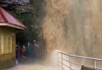 Dünyanın En Uzun İkinci Mağarasını Sel Vurdu