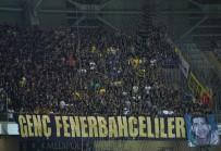 Fenerbahçe Tribünleri Simsiyah!