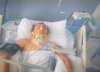 Motosiklet Kazasında Ağır Yaralanan Genç Yaşam Savaşı Veriyor