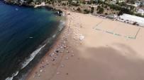 (Özel) Nemden Bunalan İstanbulluların Akın Ettiği Riva Plajı Havadan Görüntülendi