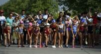 YÜZME YARIŞI - Uluslararası Su Sporları Festivali Renkli Görüntüler Oluşturdu